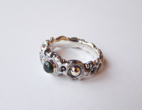 Sigitas Rekašius. Žiedas Pumpuruotasis. 2012, sidabras, auksas, turmalinas