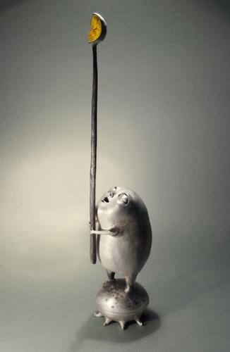 Aurelija Šimkutė. Objektas Delčia. 2012 bronza, sidabravimas, gintaras, magnetas