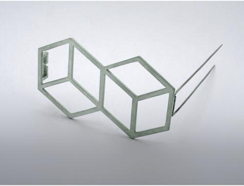 "Sandra Malaškevičiūtė. Sagė KUBAI. 2006, organinis stiklas, sidabras 62 x 48mm / Brooch ""Cubes"", plexyglass, silver"