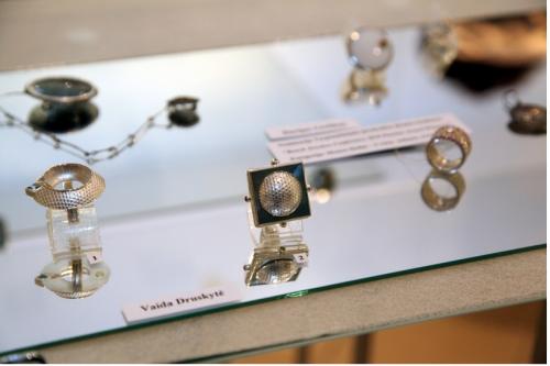 Vaida Druskytė. Žiedai VIENAS KITAME. 2010, sidabras, auksas, topazai, citrinai, titanas